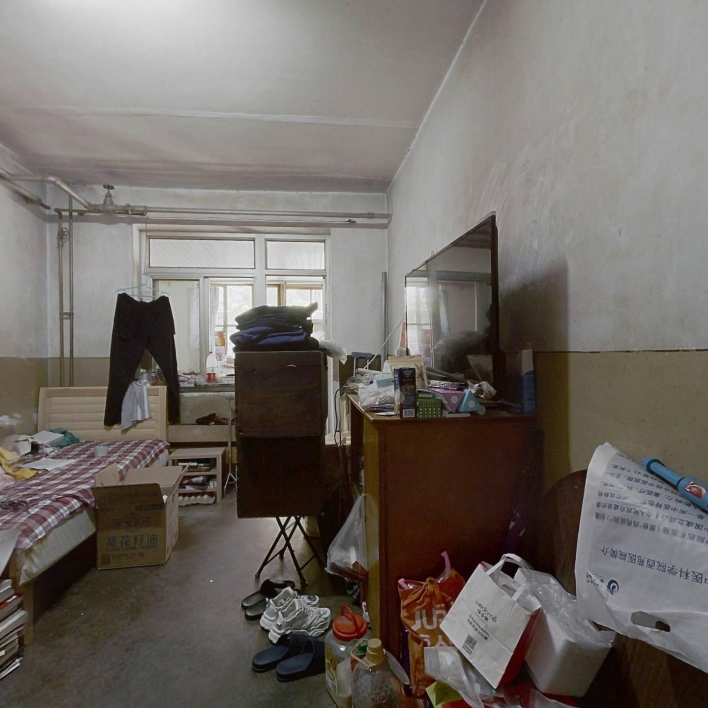 展春园 3室1厅 660万