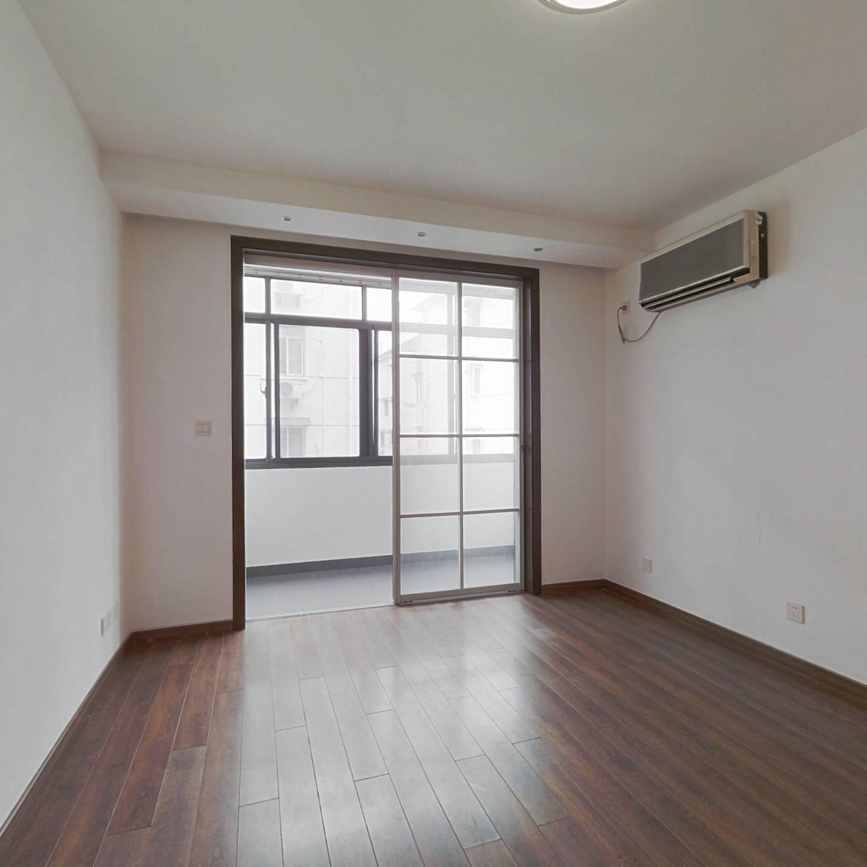 内环内,南北两房,中山公园地铁口,满五楼层好诚意售