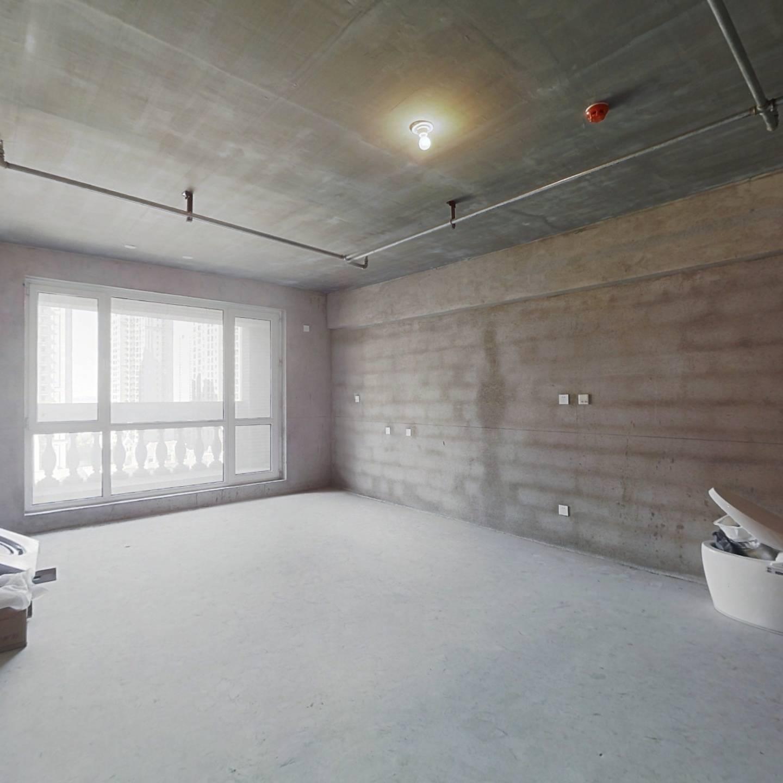 万国宫馆三期,清水房,西向,小居室。