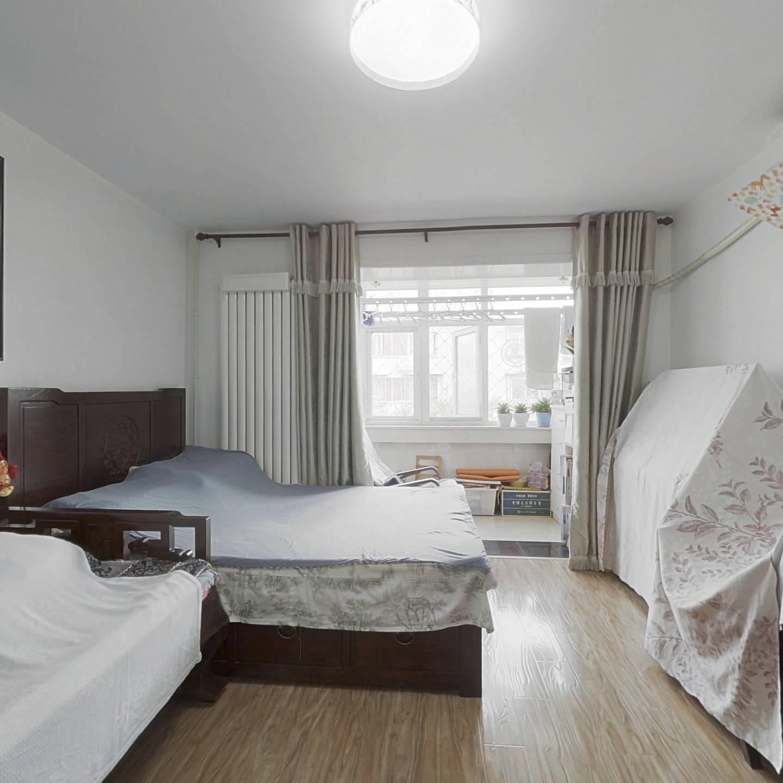 皂君东里精装修1居室,可以直接拎包入住看房方便