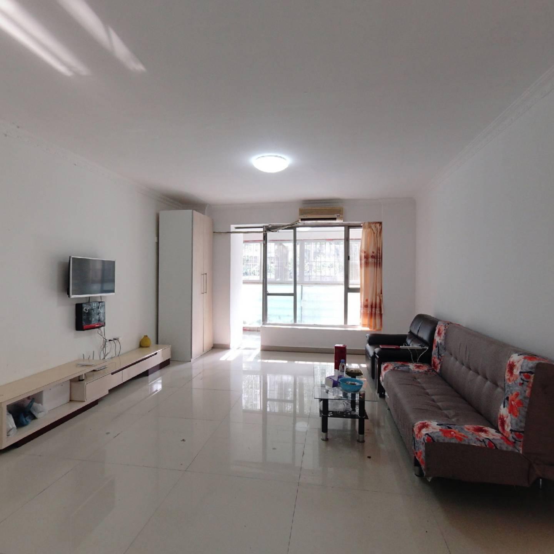 本小区性 价比很高的三房,议价空间较大