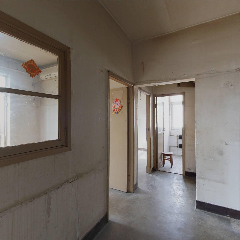 西南北正规三居室,视野开阔,格局方方正正