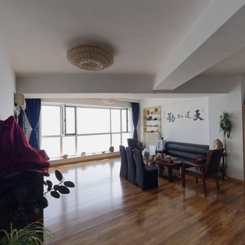 碧海华庭  精装三室 一线海景 看房方便