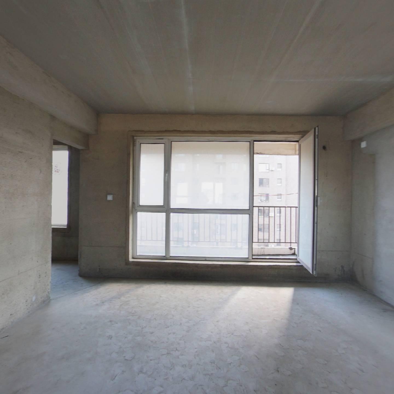 东港封闭小区 南北通透 三室一厅一卫电梯清水