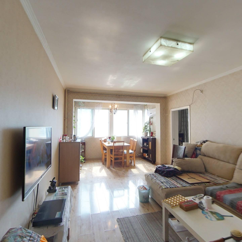 望京新城精装修一居室,满五年高楼层视野好