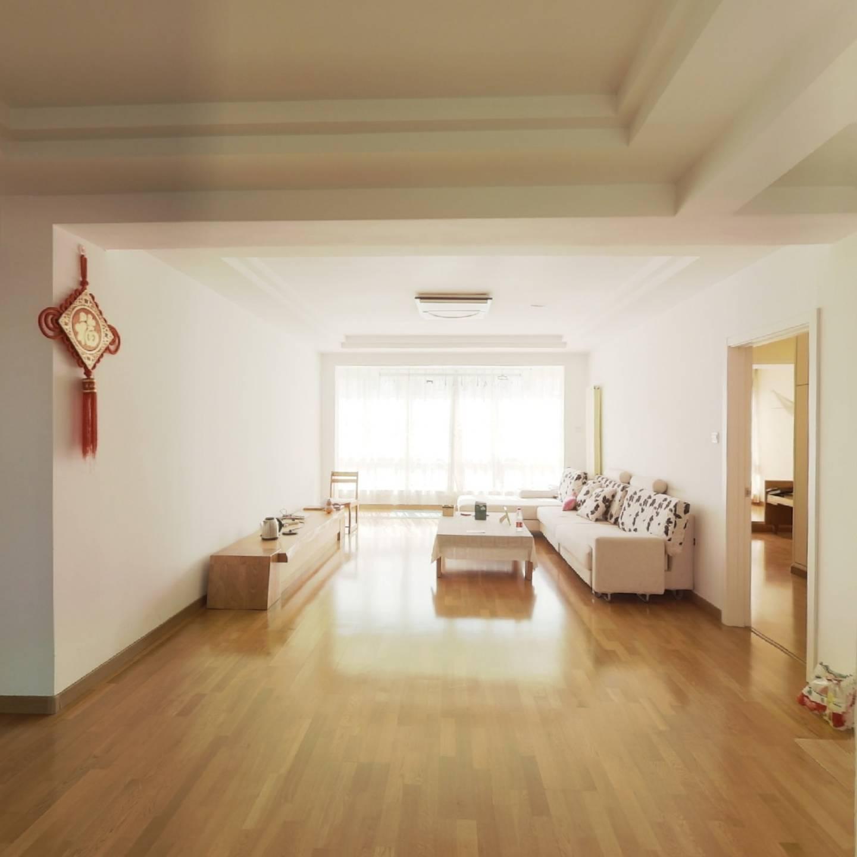 检察院小区+南客厅双南卧+中等装修+电梯小高层