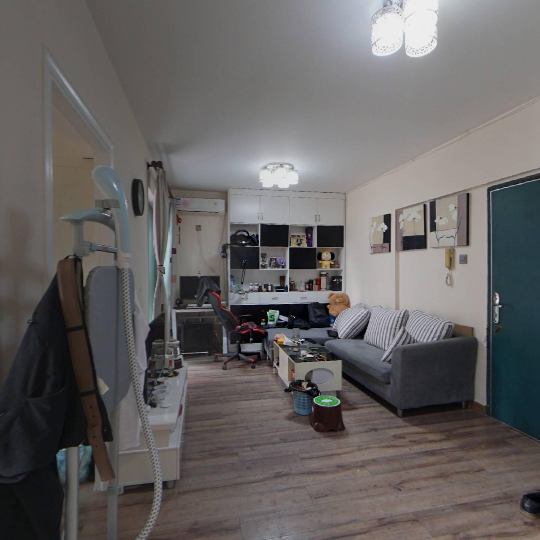 泰康轩,东南两房,高楼层安静舒适。